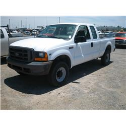 2001 FORD F250 XL SUPERDUTY, 4X4 4DR EXT CAB,