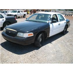 2000 FORD CROWN VICTORIA POLICE BLACK & WHITE,
