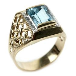 LADIES 14K YELLOW GOLD BLUE TOPAZ RING