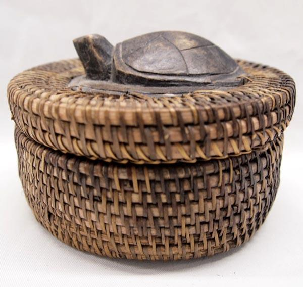 African Baskets With Lids: African Basket With Carved Turtle Lid