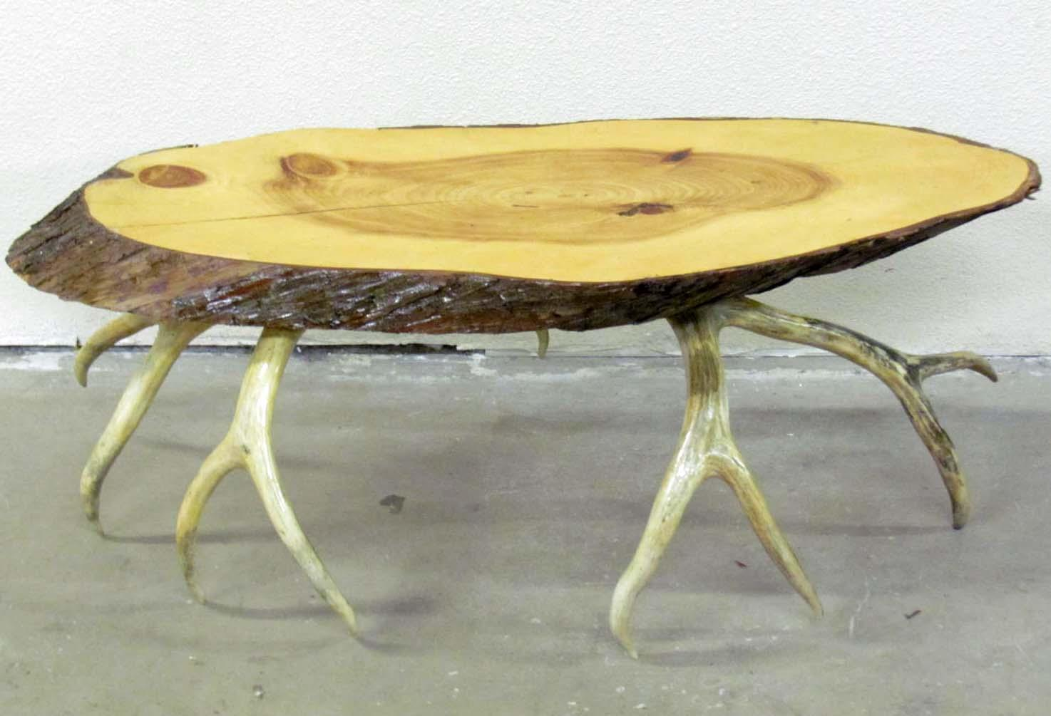 Ordinaire Image 1 : VINTAGE WOOD AND ANTLER TABLE ...