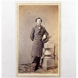 CIVIL WAR ERA CDV PHOTO OF A MILITARY SOLDIER WEARING LONG COAT