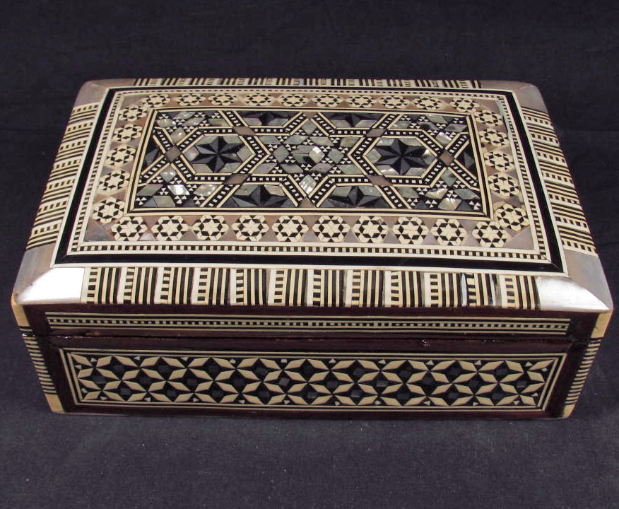 EGYPTIAN WOODEN JEWELRY BOX