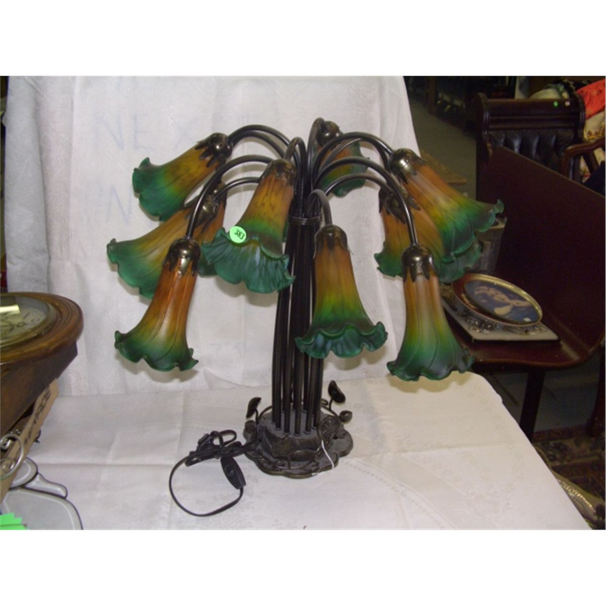 Large tiffany style newer lily lamp aloadofball Image collections