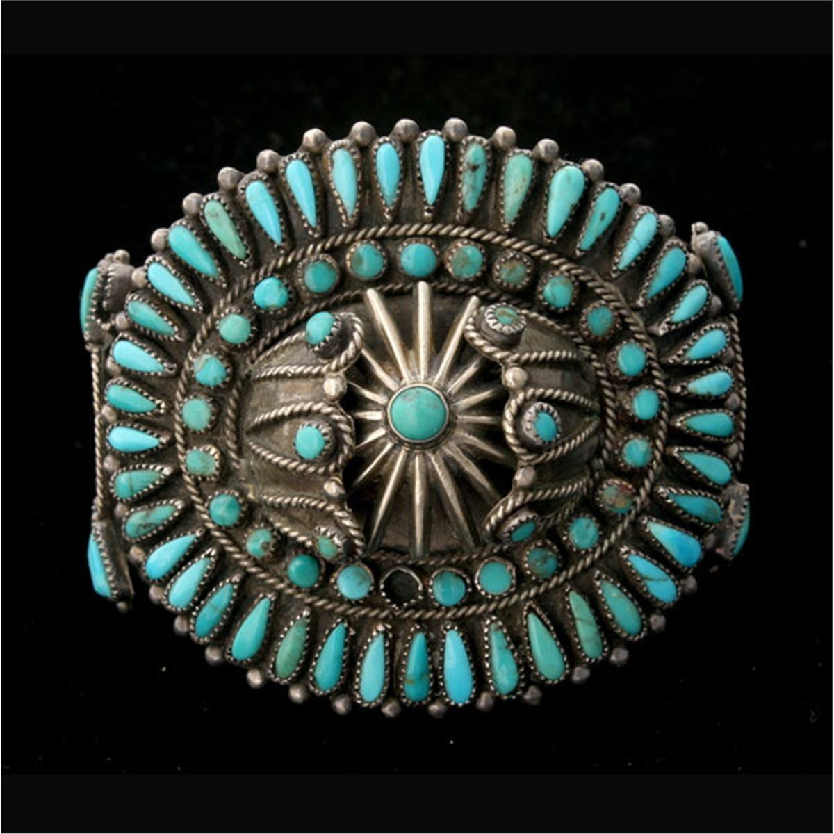 Native american turquoise silver bracelet for Southwestern silver turquoise jewelry