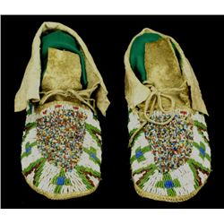 C. 1900 Sioux fully beaded moccasins