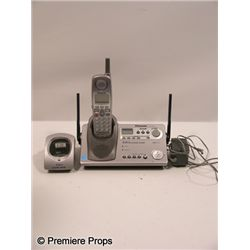 Scre4m Marnie (Brittany Robertson) Phone Movie Props