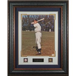 Sports: JOE DIMAGGIO:Joe Dimaggio signed 16x20 photograph. Dimaggio records of 56 consecutive games
