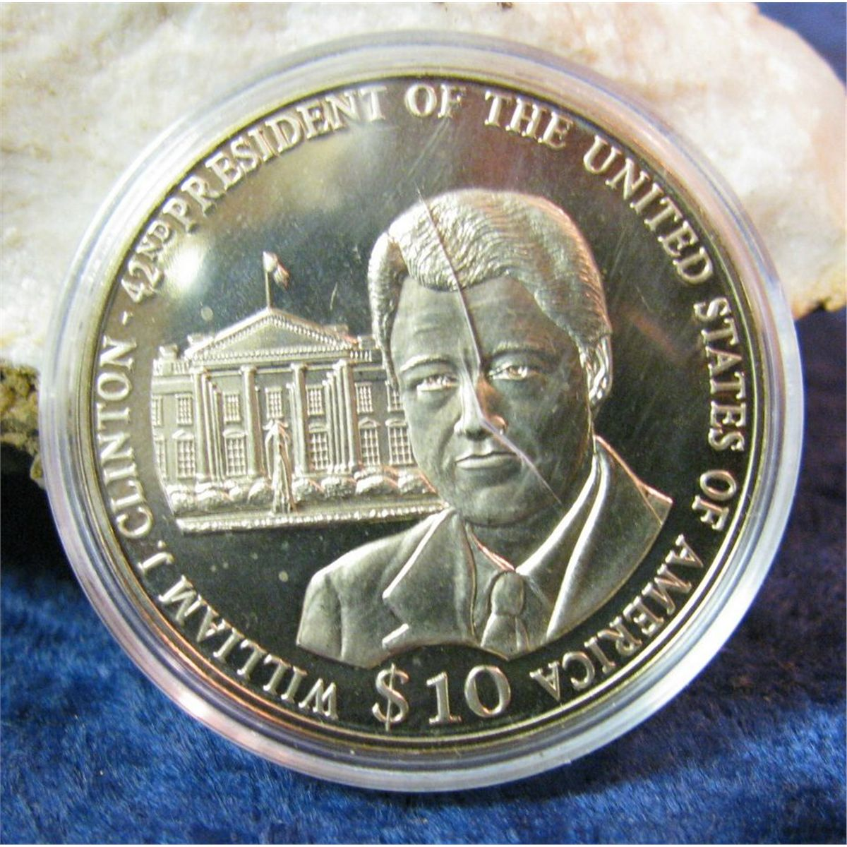 2002 Republic Of Liberia 10 William Clinton Commemorative Coin Loading Zoom