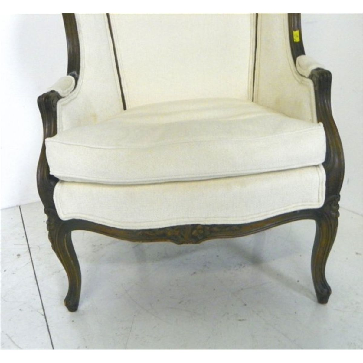 French Style Hooded Porteru0027s Chair