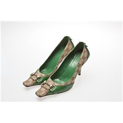 Kim Richards Signed Green Gucci Pumps