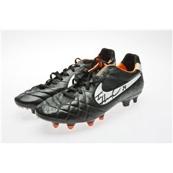US National Team Goalkeeper Tim Howard Signed Black Nike Soccer Cleats