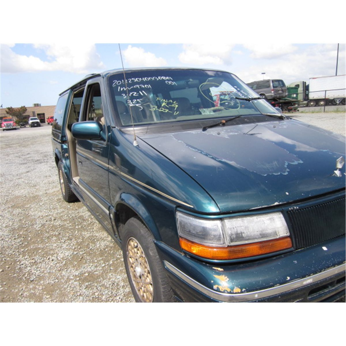 Image 1 1994 chrysler town and country