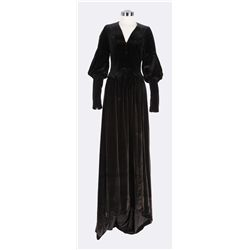 Mary Pickford black velvet dress and hat designed by Mitchell Leisen from The Taming of the Shrew