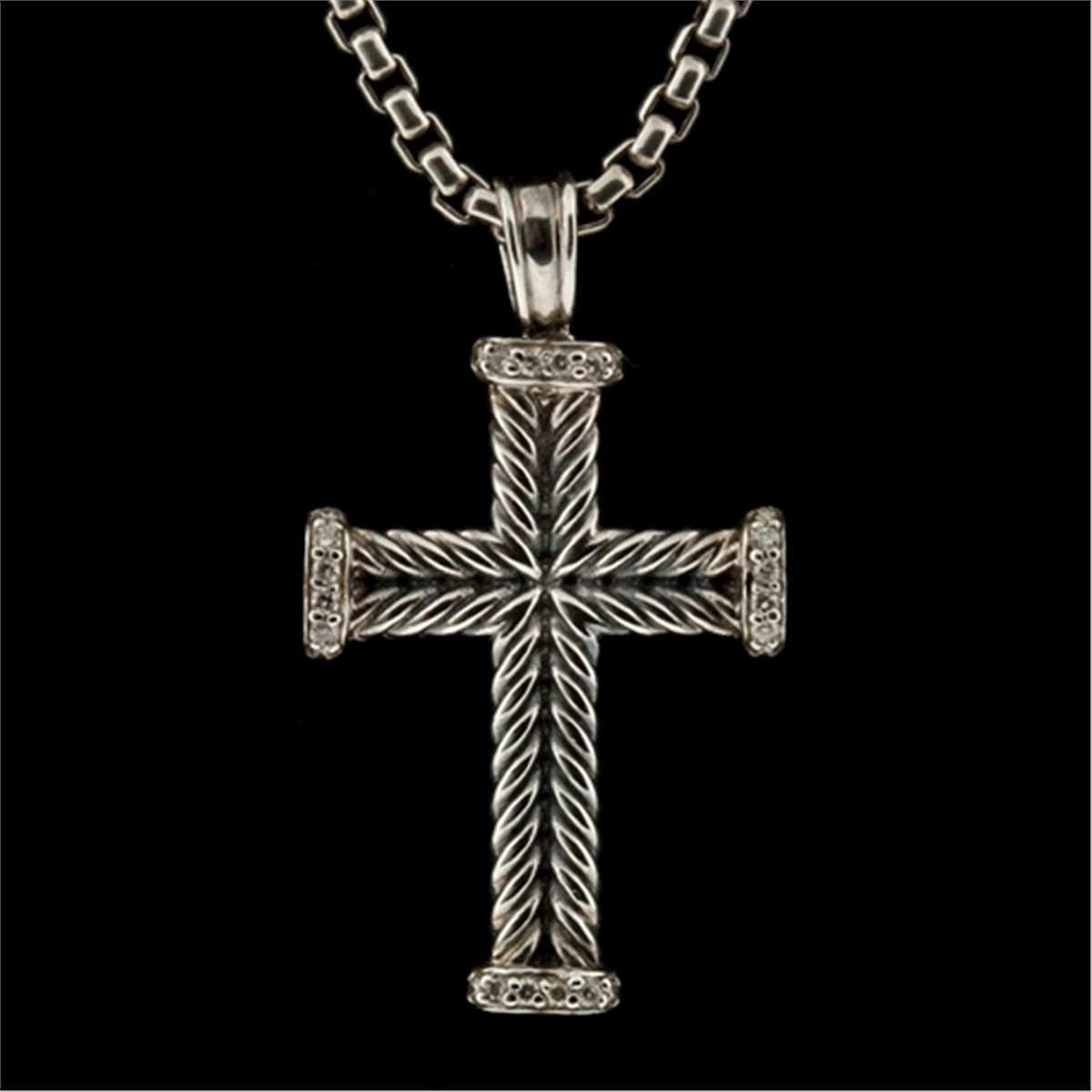 David yurman sterling silver and diamond cross pendant and chain mozeypictures Images
