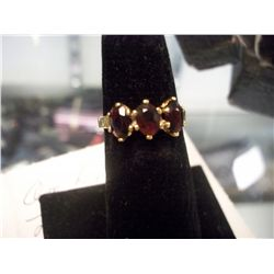 14K Gold 3 Garnet Ladies Ring