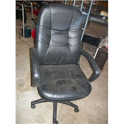 Black Rolling Ofice Chair .