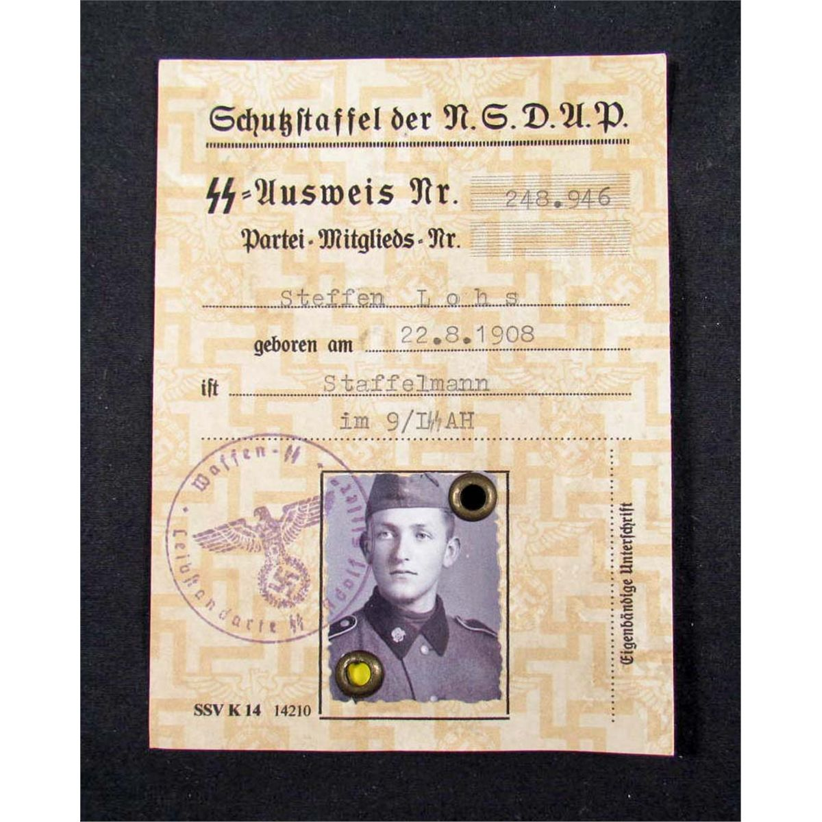 GERMAN NAZI ID DOCUMENT AUSWEIS OF THE SS-MAN W/ PHOTO