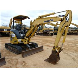 KOMATSU PC35MR-2 MINI HYDRAULIC EXCAVATOR
