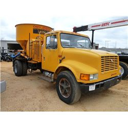 1991 INTERNATIONAL 4600 S/A POT HOLE PATCHER TRUCK
