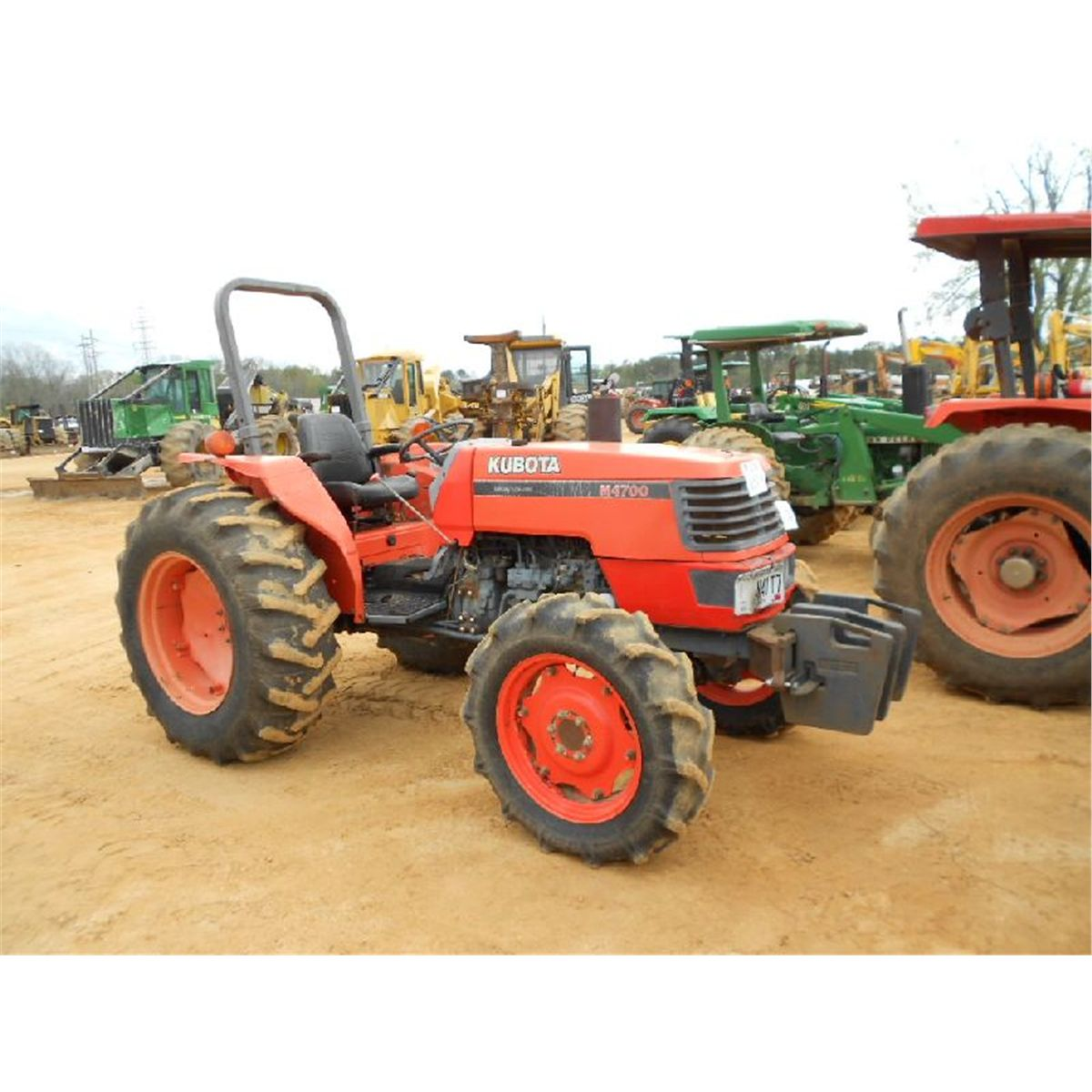 kubota m4700 4x4 farm tractor j m wood auction company inc. Black Bedroom Furniture Sets. Home Design Ideas