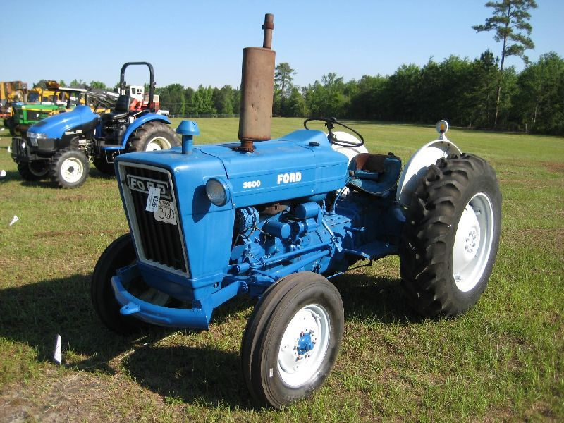 Ford Tractor Company : Ford farm tractor j m wood auction company inc