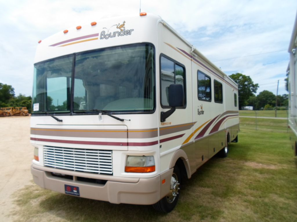 2002 Fleetwood Bounder Motor Home J M Wood Auction Company Inc