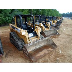 JOHN DEERE CT-322 SKID STEER LOADER