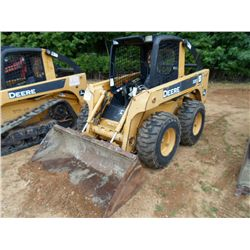 JOHN DEERE 320 SKID STEER LOADER