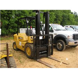CAT CP40 FORKLIFT