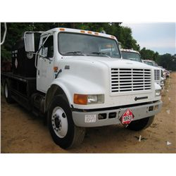 1996 INTERNATIONAL 4700 S/A FUEL & LUBE TRUCK