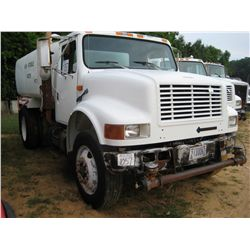 1993 INTERNATIONAL 4900 S/A WATER TRUCK