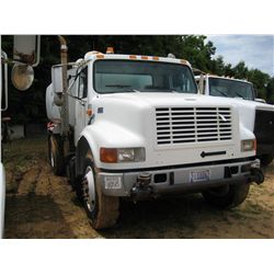 1998 INTERNATIONAL 4900 S/A WATER TRUCK