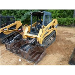 GEHL CTL 60 SKID STEER LOADER