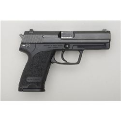 "H & K USP Model DA semi-auto pistol, .40 S&W  cal., 4-1/4"" barrel, mat black finish,  integral compo"