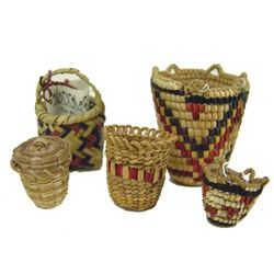 5 Miniature Baskets