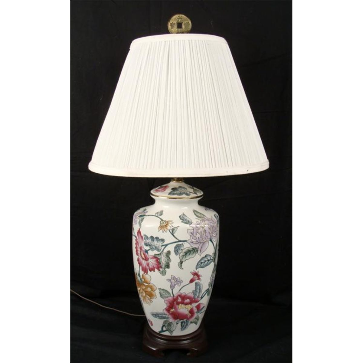 Kaiser kuhn chinese porcelain floral table lamp aloadofball Images