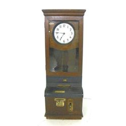 Oak time clock international ca. 1900