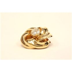 Yellow gold pin with 3.01 carat diamond