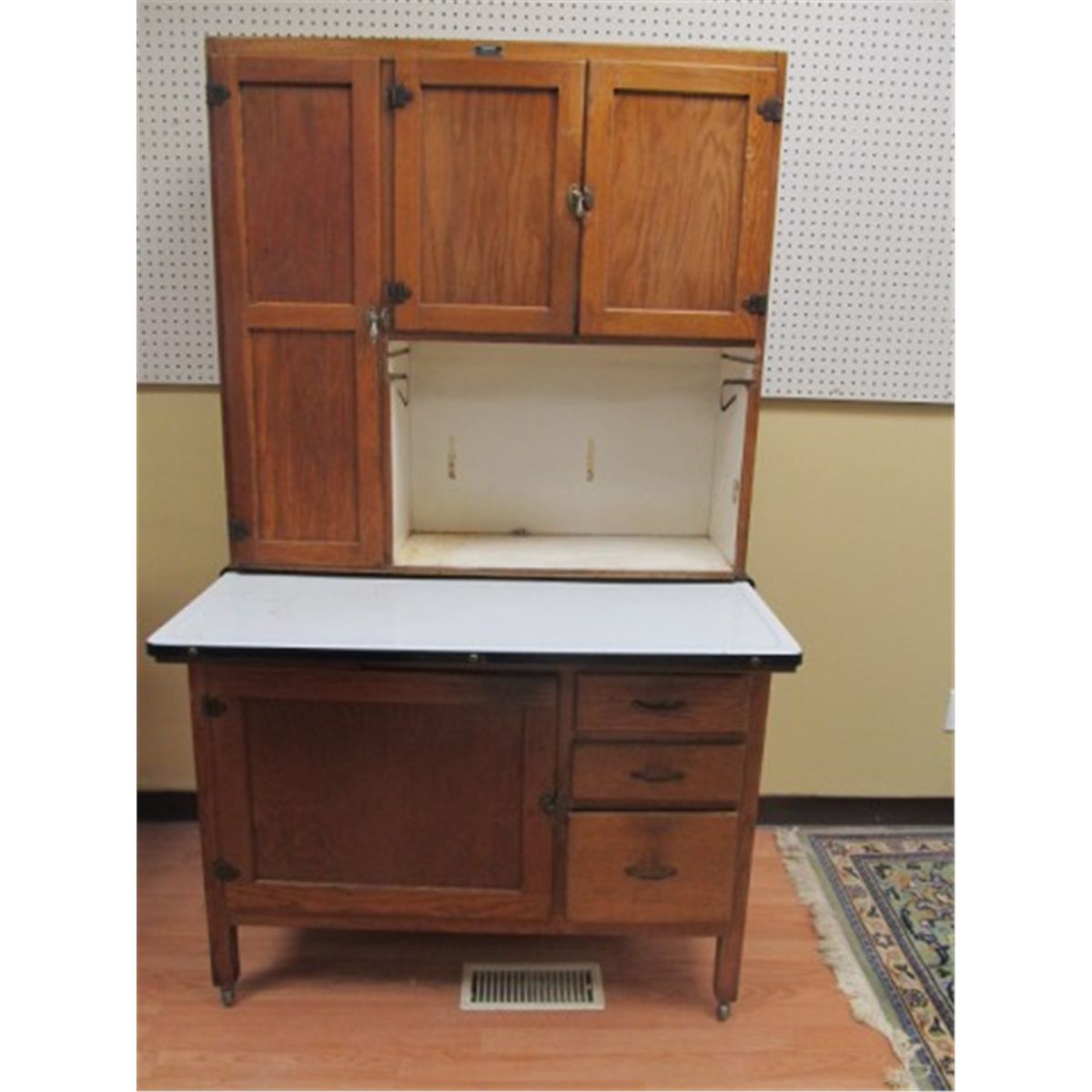 Oak hoosier cabinet for Auctions for kitchen cabinets