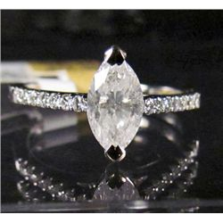 69267 - 14K WHITE GOLD LADIES DIAMOND RING - SIZE 7