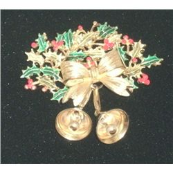 "Vintage/Antique Wreath with Bells Pin ""Weiss"""