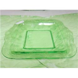 Green etched square  raised server