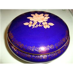 Authentic French porcelain Limoges box Mid 1990's