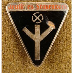 NAZI WOMAN'S ORG BADGE-DEUTSCHES FRAUENWERK MEMBERS
