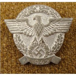 1942 NAZI POLICE BADGE-EAGLE & SWASTIKA IN WREATH PINBK