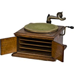 Early Oak Victor Talking Machine Co. Victrola VV-VI Pho