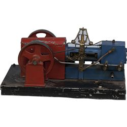 Chicago Miniature Steam Engine Model red/blue