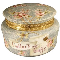 Wave Crest Collar & Cuffs Dresser Box