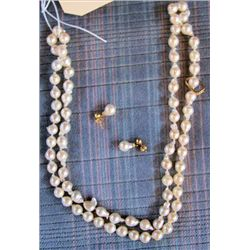 Pearl necklace with earrings Tightly knotted 32""